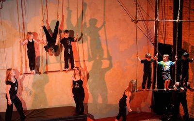 Xelias-Aerial-Arts-Studio-6-kids-on-trapeze